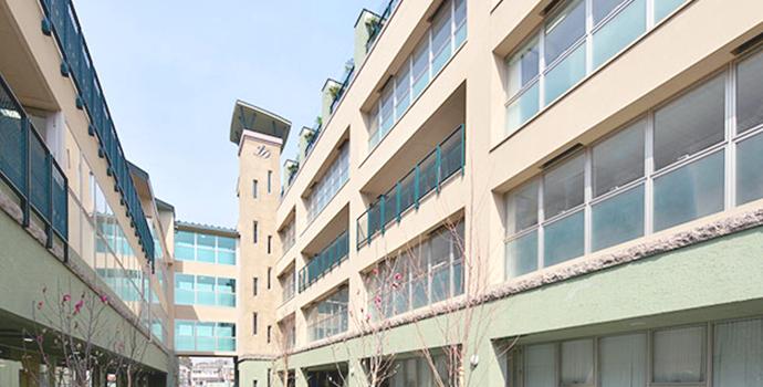東京本部校の充実した施設を利用